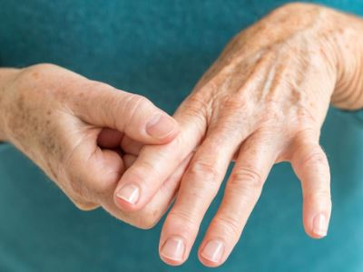 kéz ujjai ízületi gyulladása a bokaízület ízületi gyulladásának oka