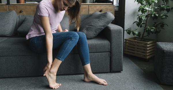 a lábam teljesen fáj alhasi fájdalom és derékfájás