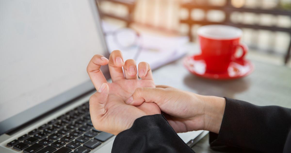 mit kell fájni ízületek a kezét