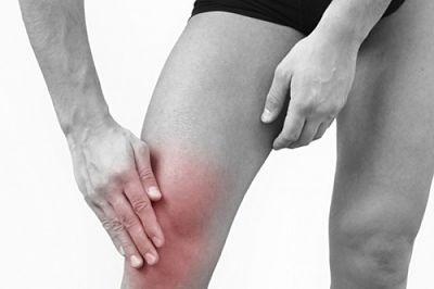a vállízületben lévő kar folyamatosan fáj