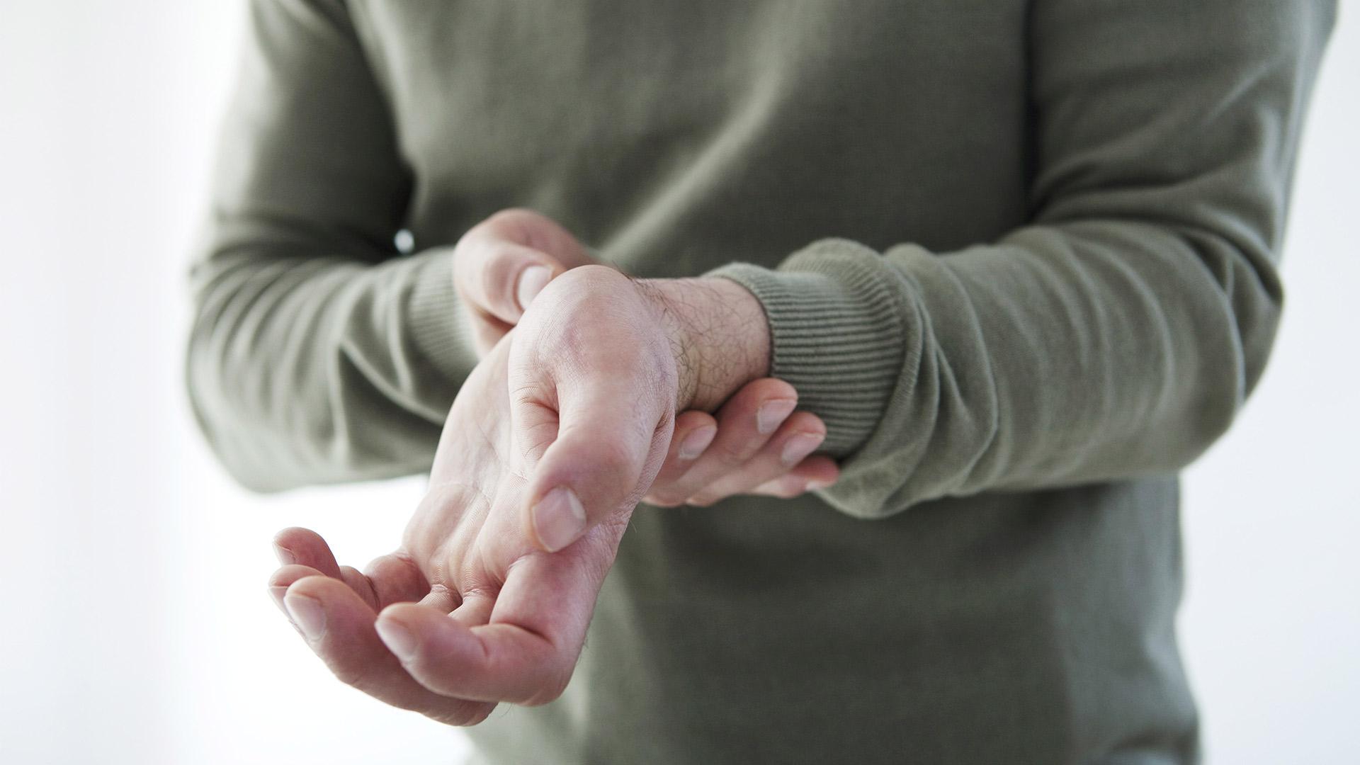 az ujjkezelés gennyes ízületi gyulladása