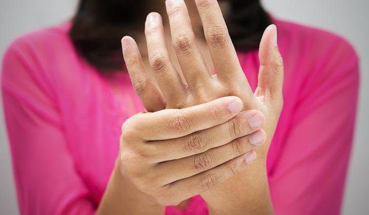 az ujjak fájnak az ízületekről minden ízület repedés fájdalom nélkül